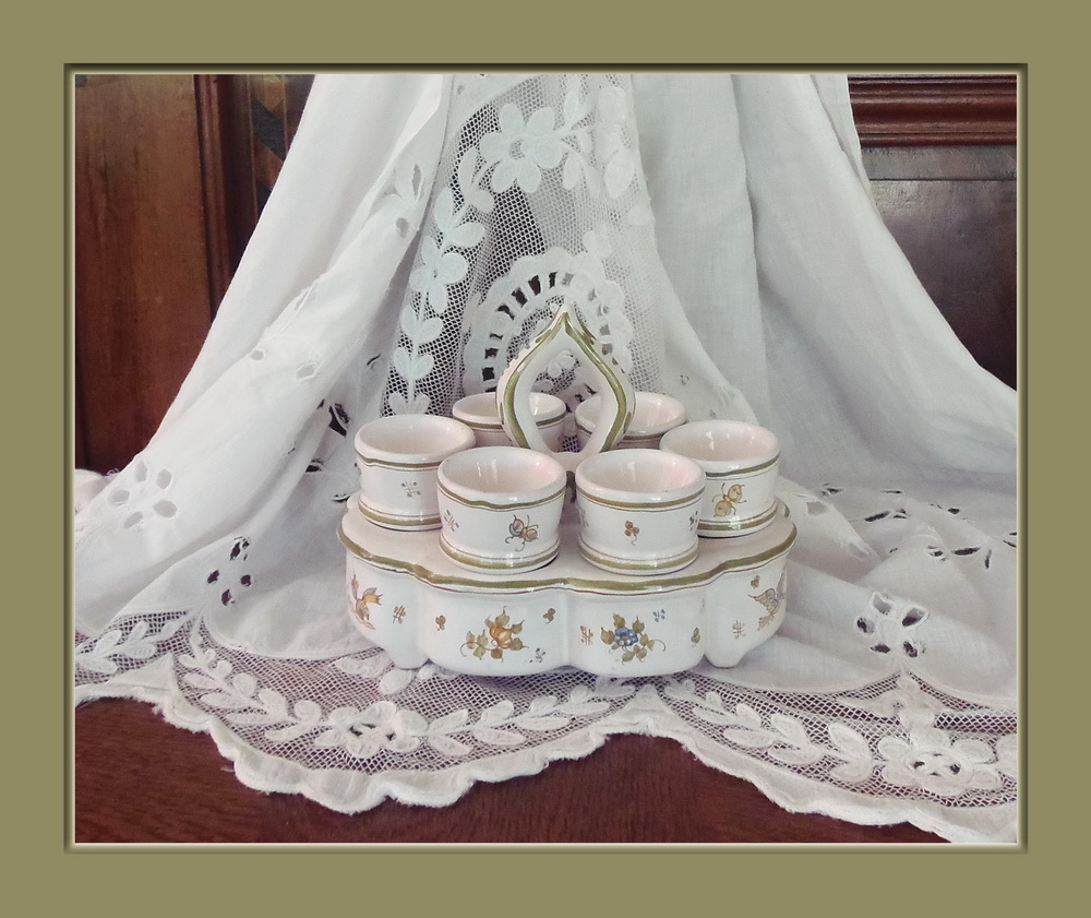 service a oeufs coquetiers faience lallier moustiers provence france. Black Bedroom Furniture Sets. Home Design Ideas